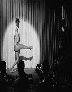 The Swinger (1966) - English