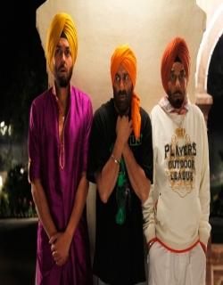 Yamla Pagla Deewana (2011) - Hindi