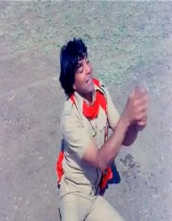 Pratiggya (1975)
