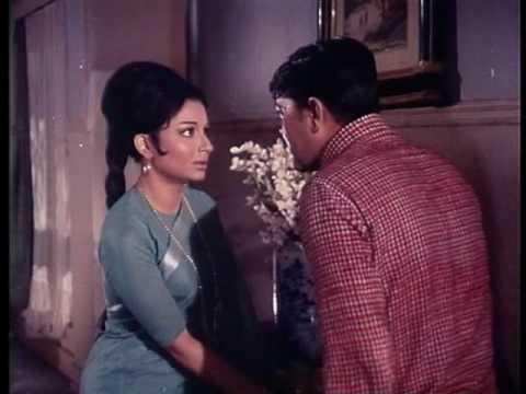 Aradhana - Action Scene - Bhagwan Ke Liye Mujhe Chod Dijiye - Sharmila Tagore