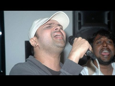 Himesh Reshammiya performs 'Teri Meri' from Bodyguard