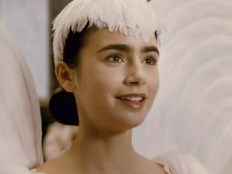 Mirror Mirror 2012 Trailer - Lily Collins as Snow White