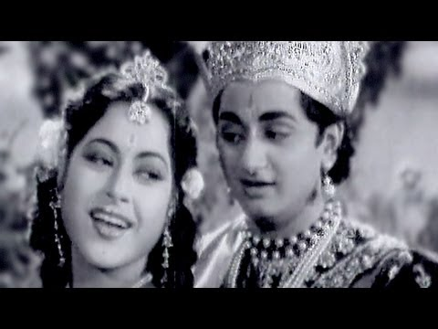 Aankhon Mein Samaate Ho - Anita Guha, Maya Bazaar Song
