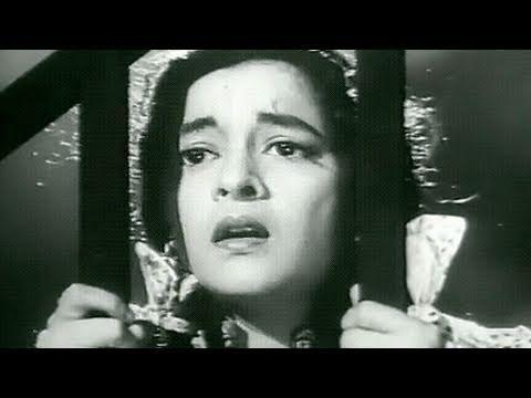 Hum Sab Chor Hai Scene 7/16 - Nalini in Mental Hospital