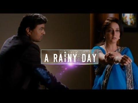 A Rainy Day Song Kadhi Kshanat Haasne | Mrinal Kulkarni, Subodh Bhave