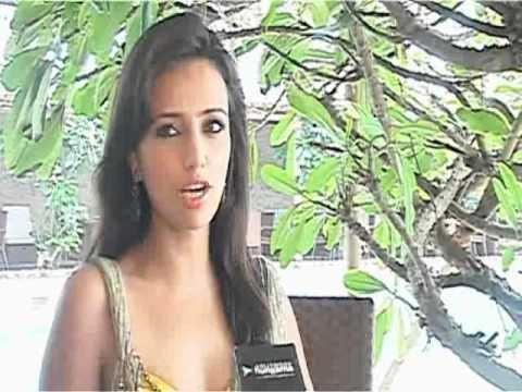 Actress Roshni Chopra on Phhir