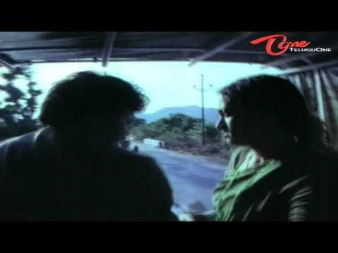 Chiru Romantic Comedy With Sumalatha In Horse Cart