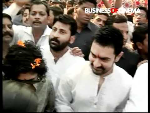 Aamir Khan celebrates Republic Day at Mumbai's Dhobi Ghat