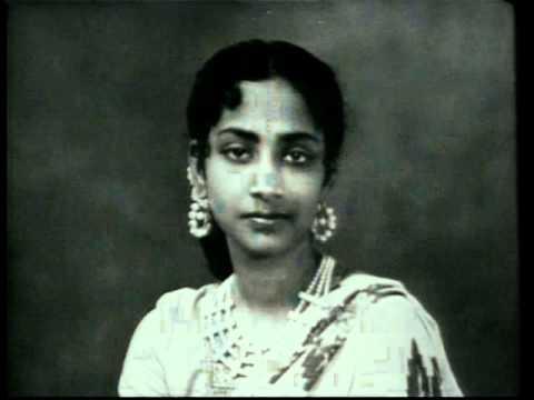 Geeta Dutt : So ja mere laal sojaa : Film - Aadhi Roti (1957)