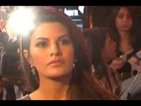 Jacqueline Fernandez upsets Bhatts by ignoring Murder 2 promotions