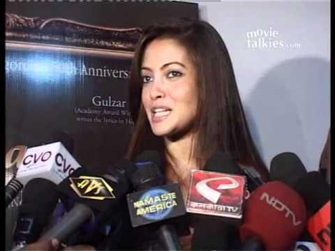 Riya Sen: ''Raima, Mr. Ghai and Rituparno make ''Kashmakash'' a family production''