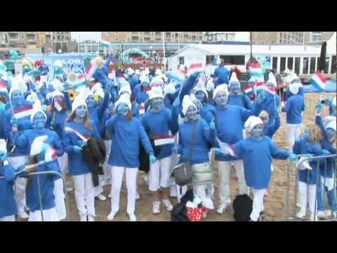 Global Smurfs Day - World Record of 4891 smurfy people