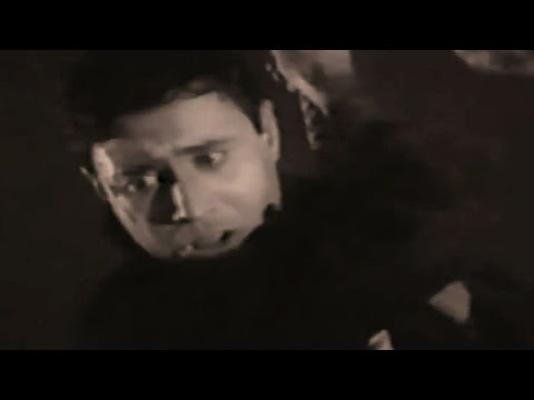 Sarhad Scene 15/15 - Dev Anand Attacked