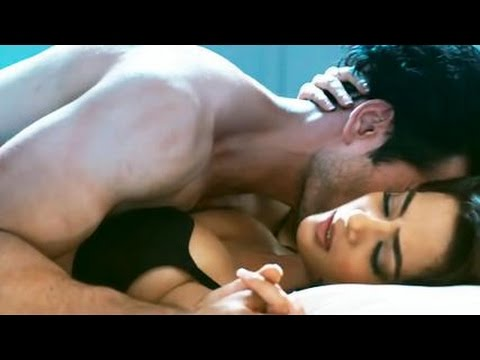 Leela | Sunny Leone and Jay Bhanushali Hot Scene in