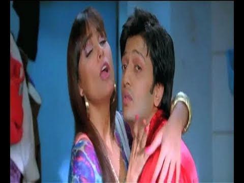 Ritesh with Sushmita & Lara-Do Knot Disturb