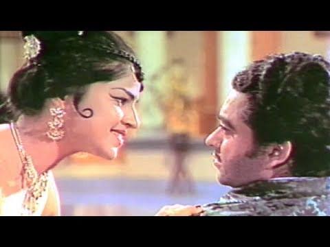 Yeh Mere Soye Hue Pyar - Asha Bhosle, Payal Ki Jhankar Song