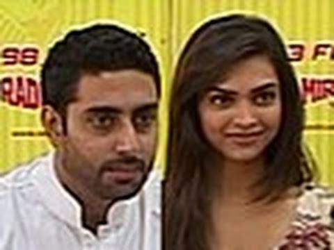 Abhishek & Deepika promote 'Khelein Hum Jee Jaan Sey'