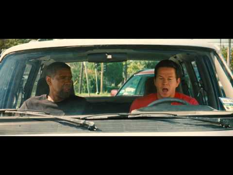 2 GUNS - First Look International Trailer