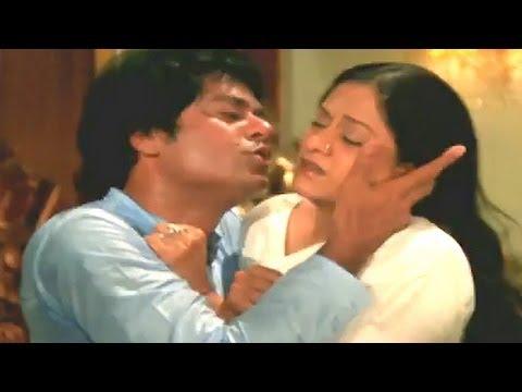 Jagdeep in Aruna's bedroom - Ghazab