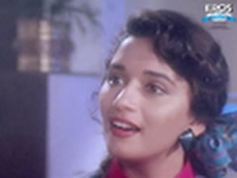 Madhuri puts Salman in an awkward situation - Saajan