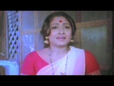 Jaya Prada runs for help - Sargam
