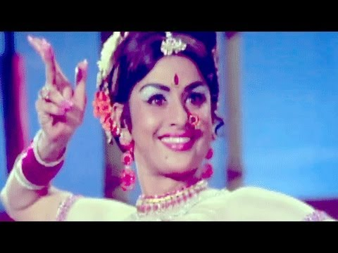 Payal Chham Chham Bole - Asha Bhosle, Usha, Samaj Ko Badal Dalo Song