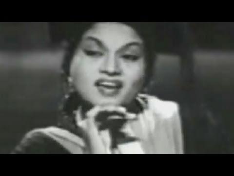 Aji Hum Bharat Ki Naari - Mr Sampat Song