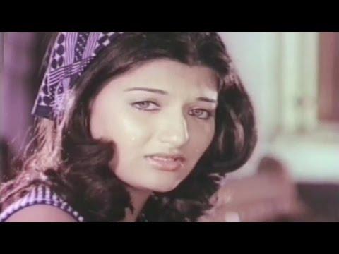 Sanjeev Kumar support Sarika to Marry - Devta