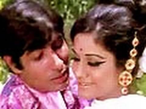 Bombay To Goa Funny Scenes - Amitabh Bachchan Tries To Impress Aruna Irani