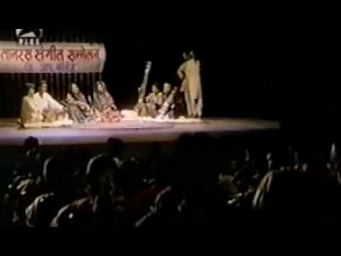 Sardari Begum - Ghi Ghir Aayi Badariya Kari