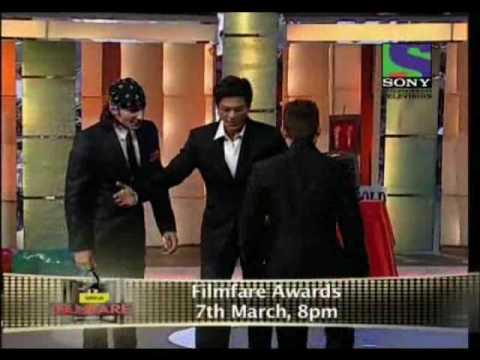 Ritesh Deshmukh performing Jaane Tere song at Filmfare Awards