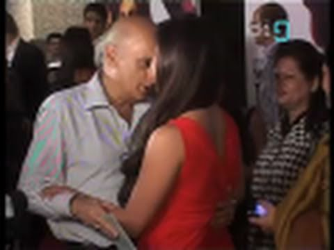 Mukesh Bhatt Gets Cozy At The Premiere