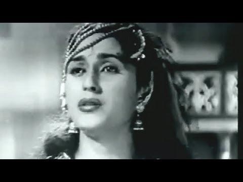 Aaja ab to Aaja - Lata Mangeshkar song