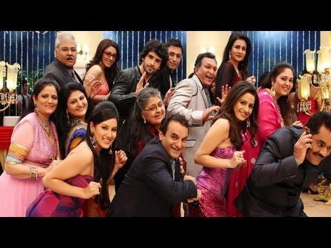 Top Bollywood Actors Get Together in Ramaiya Vastavaiya